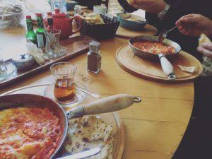 Persisches Essen. Bild: Sara Usinger