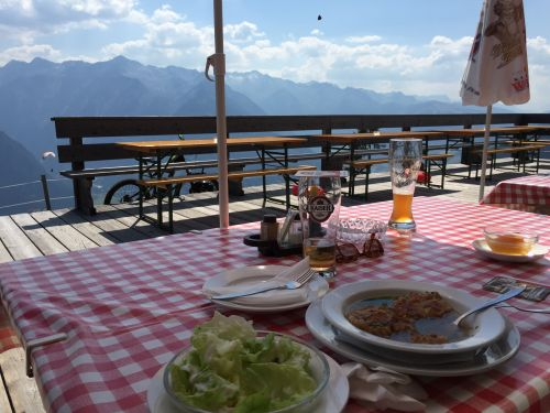 Salat mit Beilage;-) bei Nora Grazzinis Mittagspause